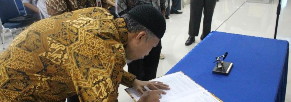 Serah Terima Jabatan Akademi Komunitas Industri Tekstil dan Produk Tekstil Surakarta